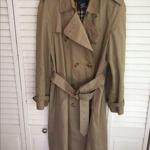Men's Burberry Trenchcoat